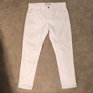 Gap Best Girlfriend White Jeans, Size 28